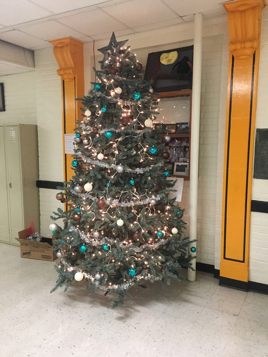 Senior Christmas tree!
